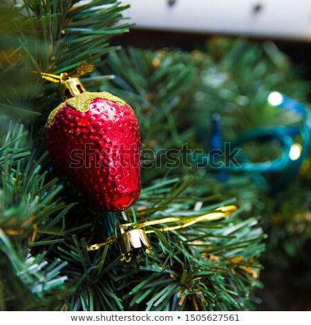 Kerstboom aardbei speelgoed glas achtergrond winter Stockfoto © jordanrusev
