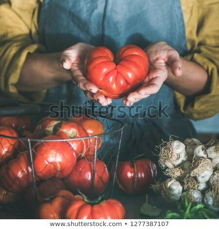 женщину · помидоров · без · верха · кавказский · женщины - Сток-фото © iofoto