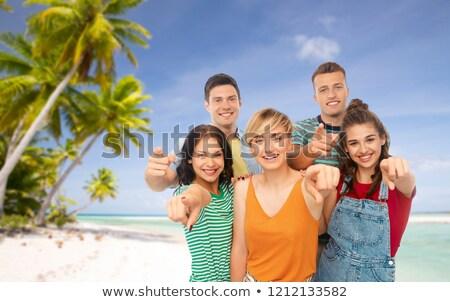 vrouw · zonnebril · strand · reizen · toerisme · valentijnsdag - stockfoto © dolgachov