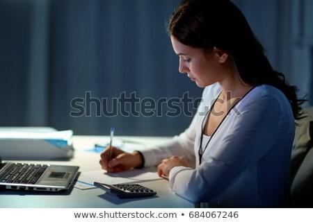 kobieta · interesu · laptop · noc · biuro · ludzi · biznesu · ostateczny · termin - zdjęcia stock © dolgachov