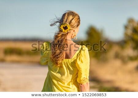 Femme extérieur soleil tournesol belle Photo stock © lovleah