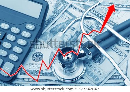 alto · custo · saúde · homem · medicamentos - foto stock © JamiRae