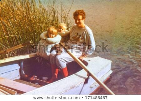 матери · детей · лодка · озеро · девушки · дети - Сток-фото © Paha_L