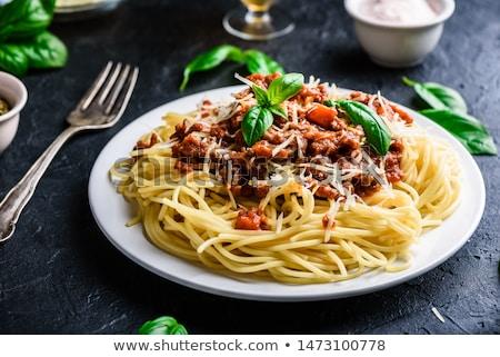 スパゲティ · カトラリー · 赤ワイン · ボトル · 選択フォーカス · フォーカス - ストックフォト © ozgur