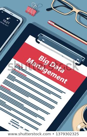 Big Data Management - Vector Halftone Isometric Illustration Foto stock © Tashatuvango