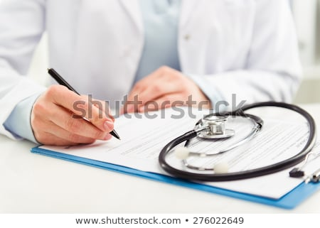 női · orvos · ír · jelentés · illusztráció · papír - stock fotó © colematt