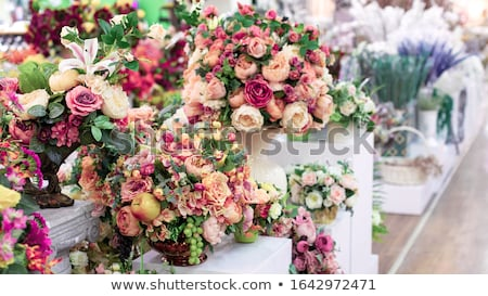 Koszyka kolorowy sztuczny kwiaty kwiat tle Zdjęcia stock © alinamd