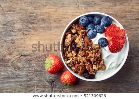 fatto · in · casa · dadi · latte · tavolo · in · legno · frutta - foto d'archivio © m-studio