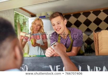 Clientes cartão de crédito comida caminhão vendedor rua Foto stock © dolgachov