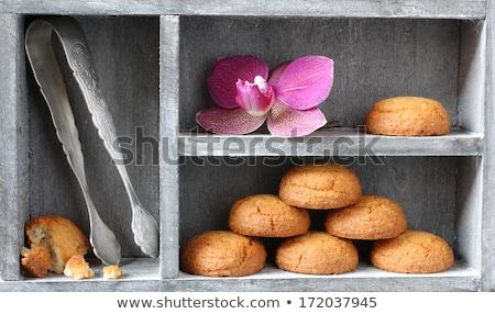 Foto d'archivio: Mandorla · cookies · finestra · cucina · tavola