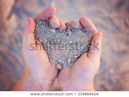 um · coração · areia · lata · usado · casamento - foto stock © lopolo