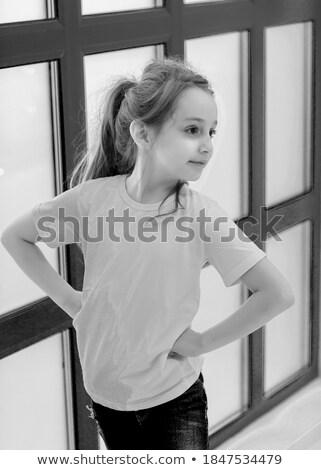 donna · sorridente · piedi · bolle · di · sapone · isolato · bianco - foto d'archivio © carlodapino