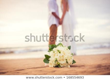 невеста · поцелуй · букет · небе · свадьба · лице - Сток-фото © deandrobot
