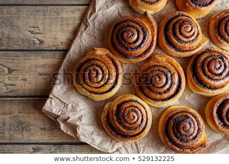 édes · fahéj · tekercsek · eprek · fehér · friss - stock fotó © digifoodstock