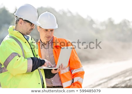 bouwvakker · laptop · hand · man · technologie · industrie - stockfoto © CsDeli