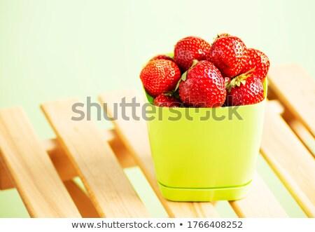 juteuse · fraises · isolé · blanche · alimentaire - photo stock © oleksandro