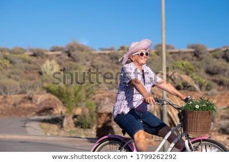 Kadın mutlu emekli gökyüzü kıdemli Stok fotoğraf © roboriginal