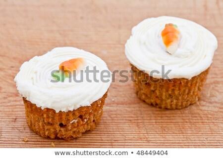 Dos pequeño zanahoria tortas Foto stock © raphotos