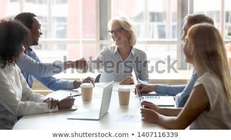 Ejecutivo empresario apretón de manos hasta Foto stock © Freedomz