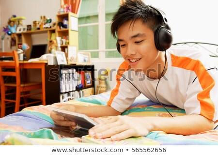 Adolescents écouter cds élèves portrait garçon Photo stock © photography33