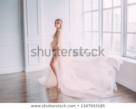 sensueel · vrouw · oude · interieur · gezicht · mode - stockfoto © konradbak
