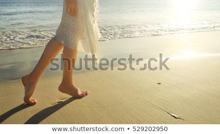 Láb gyönyörű homokos tengerpart tengerpart tenger fut Stock fotó © meinzahn