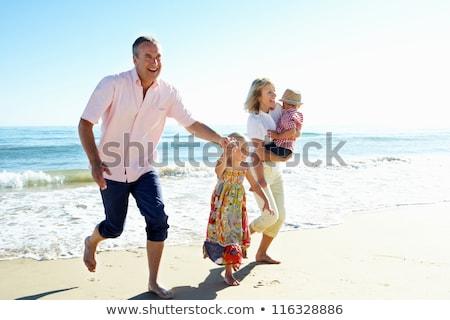 abuelos · nietos · playa · hombre - foto stock © monkey_business