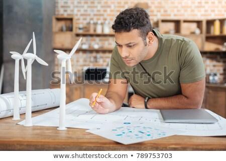 Arquitecto estudiar planes cuidadosamente negocios construcción Foto stock © photography33