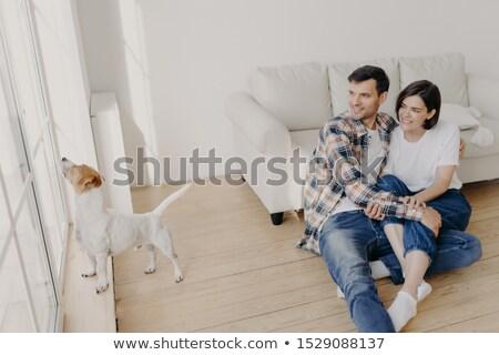 Tiro feliz namorado namorada veja alegremente Foto stock © vkstudio