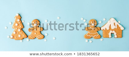 Zencefilli çörek kurabiye Noel ağaç kalp kar Stok fotoğraf © jakatics