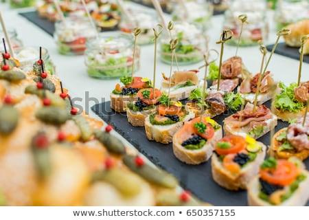 dedo · alimentos · tomate · albahaca · fiesta · frescos - foto stock © m-studio