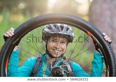 портрет женщины горных велосипедов Сток-фото © wavebreak_media