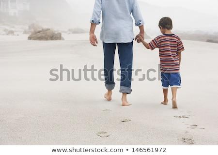 famille · marche · sable · quatre · peu · garçon - photo stock © photography33
