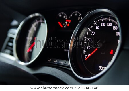 Stockfoto: Auto · dashboard · licht · Rood