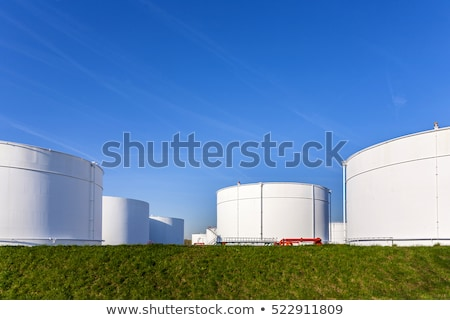 Witte benzine olie tank boerderij blauwe hemel Stockfoto © meinzahn
