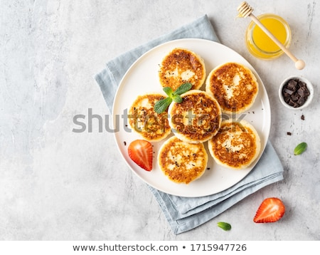 сыра · изюм · природы · фон · завтрак · белый - Сток-фото © yelenayemchuk