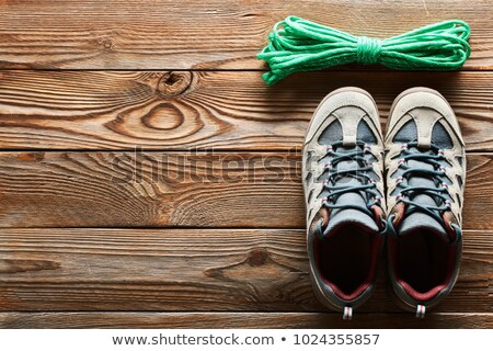 trekking · chaussures · sentier · vert · pierre · marche - photo stock © tiero