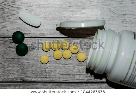 Consommation pilules médecine pilule danger Photo stock © kentoh