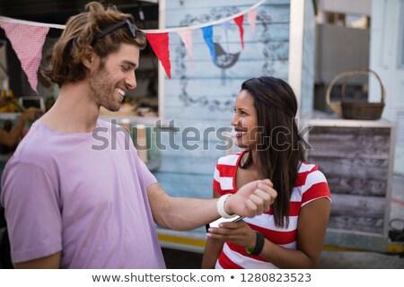 Boldog pár fizet számla étel teherautó Stock fotó © wavebreak_media