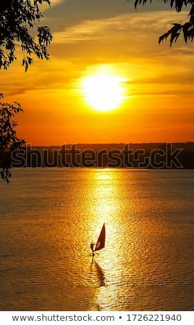 Windszörf tengerpart égbolt naplemente sportok nyár Stock fotó © Paha_L