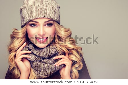 Joli jeunes femme blonde hiver vêtements tricoté Photo stock © jenbray
