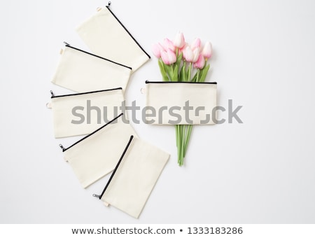 novias · maquillaje · bolsa · boda - foto stock © KMWPhotography