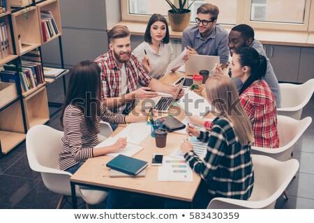 Grupy uśmiechnięty studentów mówić kampus edukacji Zdjęcia stock © dolgachov