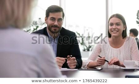 vita · fotó · komoly · üzletasszony · néz · kamera - stock fotó © pressmaster