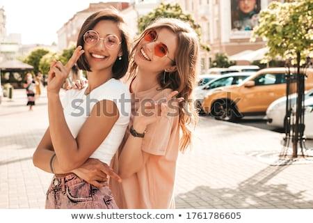 Stok fotoğraf: Iki · seksi · kızlar · yalıtılmış · beyaz · gülümseme