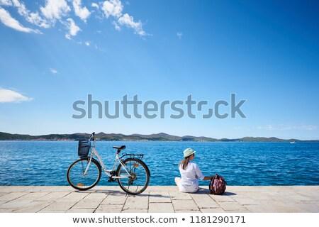 praia · blue · sky · mar · céu · água · grama - foto stock © pkirillov