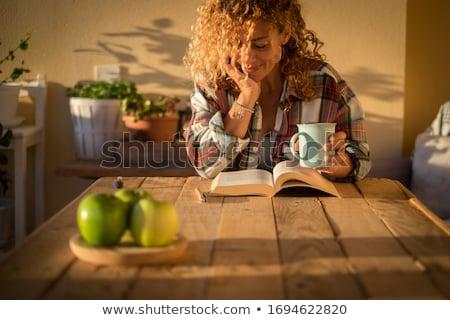 çay an kadın içme okuma kitap Stok fotoğraf © blanaru