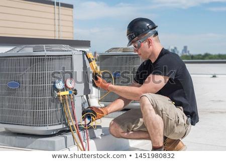 ar · condicionado · reparar · trabalho · em · equipe · dois · telhado - foto stock © arenacreative