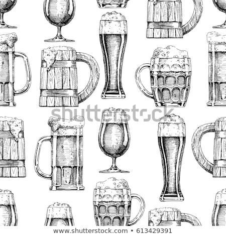 Foto d'archivio: Doodle · birra · occhiali · pattern · mano · disegni