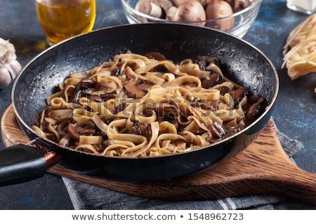 Foto d'archivio: Tagliatelle · pasta · sottile · nastro · piatto · alimentare